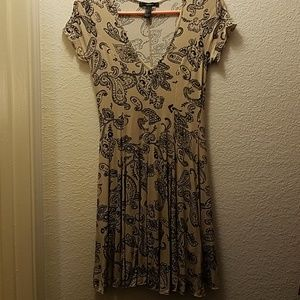 Forever 21 dress tan and black size S